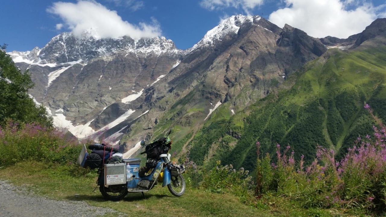 Cestou s motorkou: Rudolf Tisovský - Ázia na Pionieri