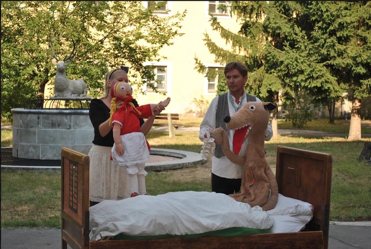 Divadlo Žihadlo: O Červenej čiapočke