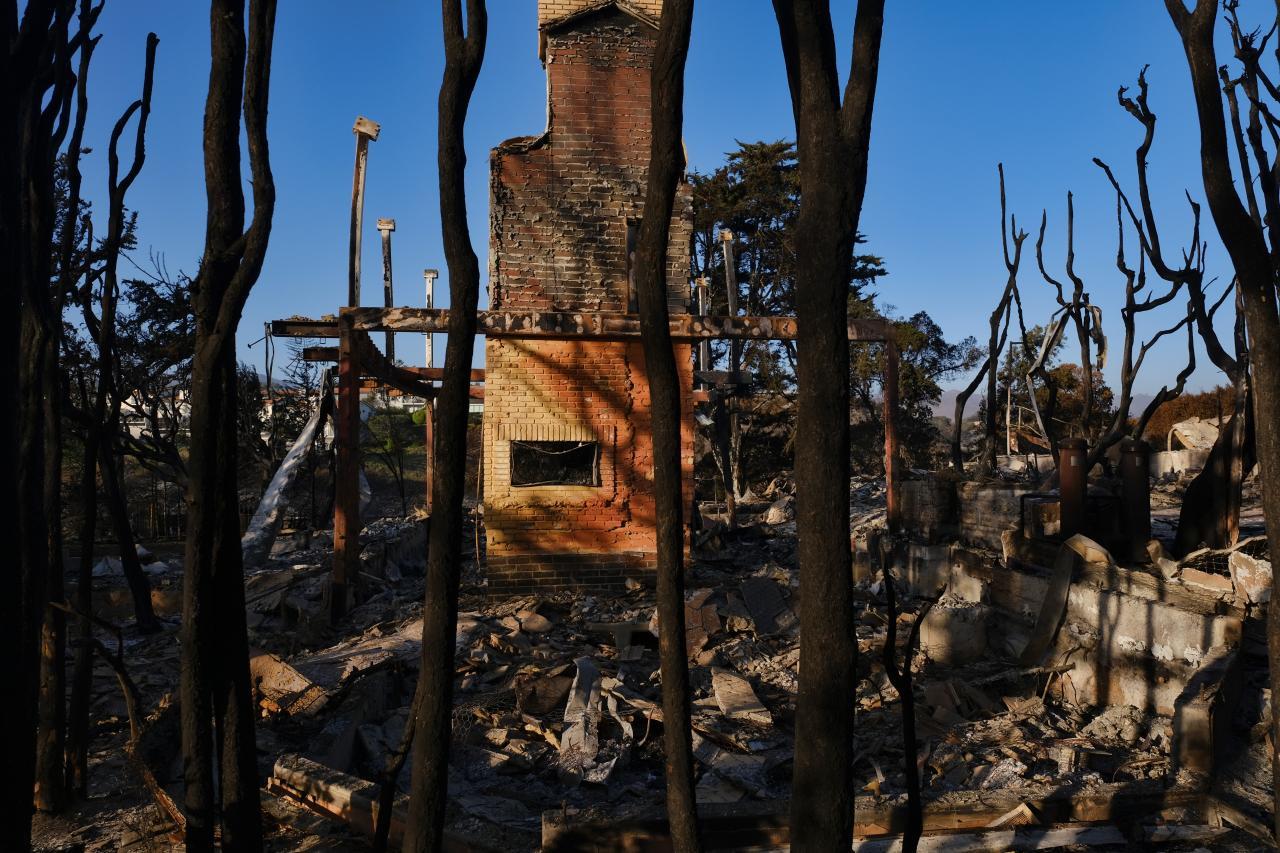Raj sa zmenil na horiace peklo. Najničivejší požiar v moderných dejinách Kalifornie očami fotografov