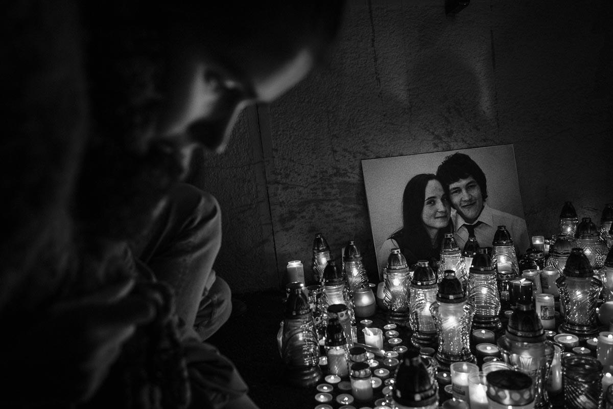 Tichý dav sa rozlúčil so zavraždeným párom