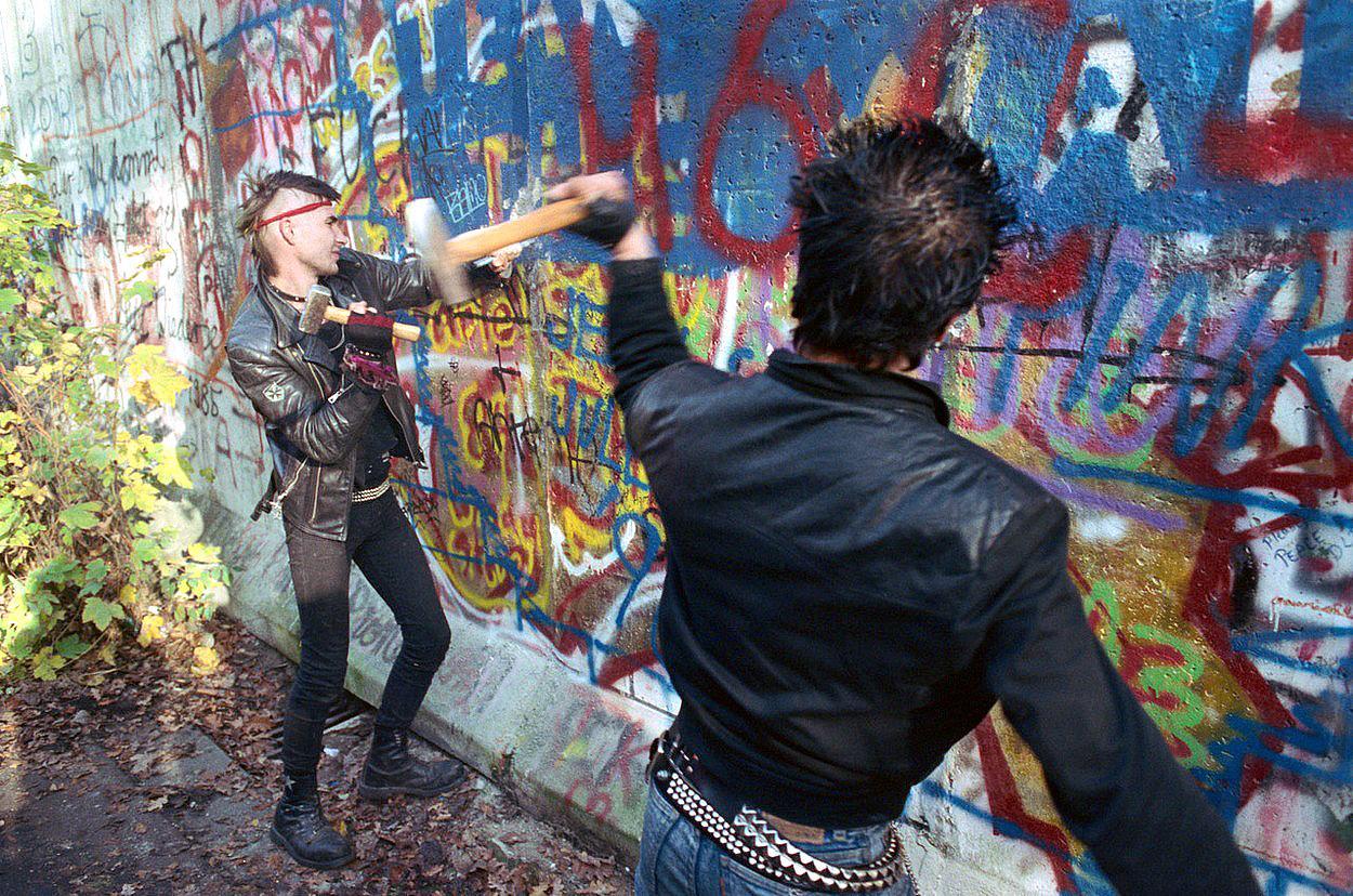 Ako sme zvalili Berlínsky múr