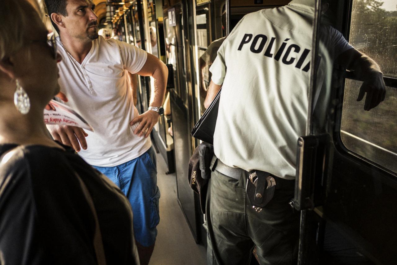 Vo vlaku s migrantami